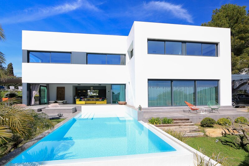 Best Villa For Your Stay In Ibiza, casa vacanza a Siesta