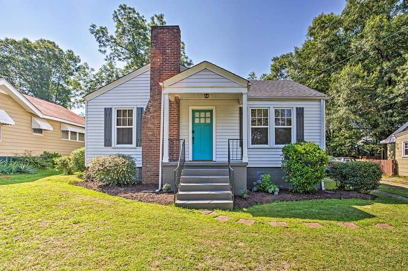 Luxe Updated Greenville Home w/Yard Near Downtown!, holiday rental in Greer