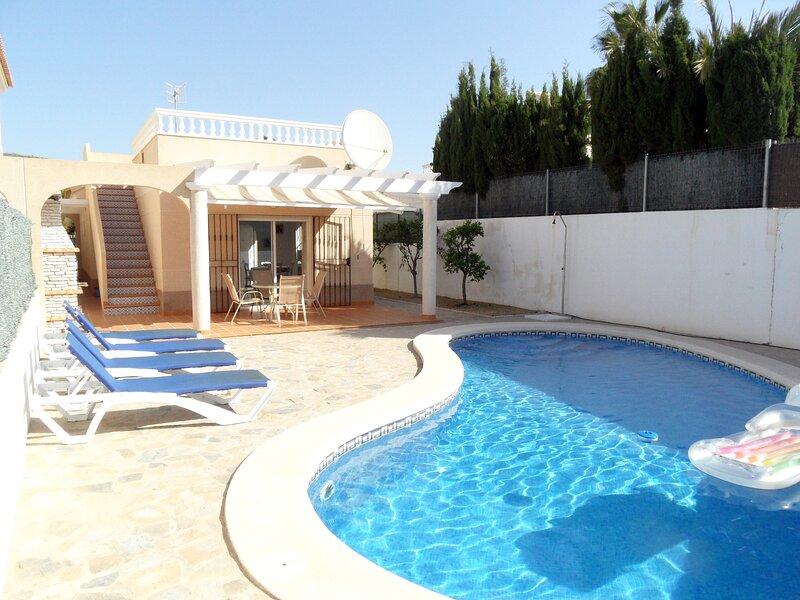 Villa Andalaura, private detached bungalow with private pool, airco, WIFI etc, holiday rental in San Juan de los Terreros