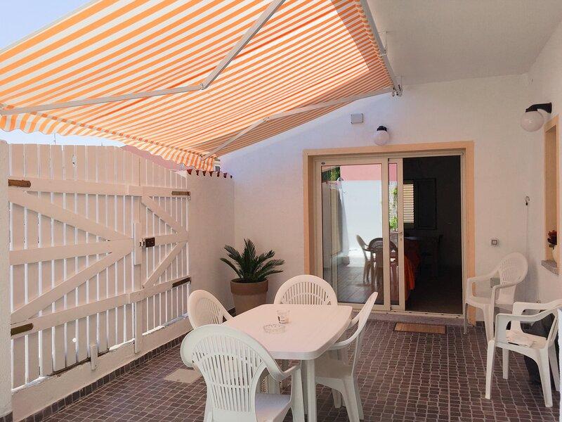 Appartamento Jeannette, holiday rental in Terravecchia-portoquadro