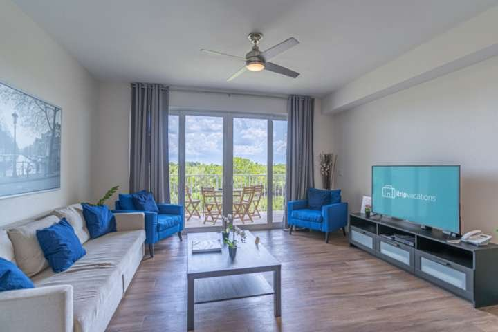 Under new management! Touchless check in and Premier Clean home!, holiday rental in Sun City Center