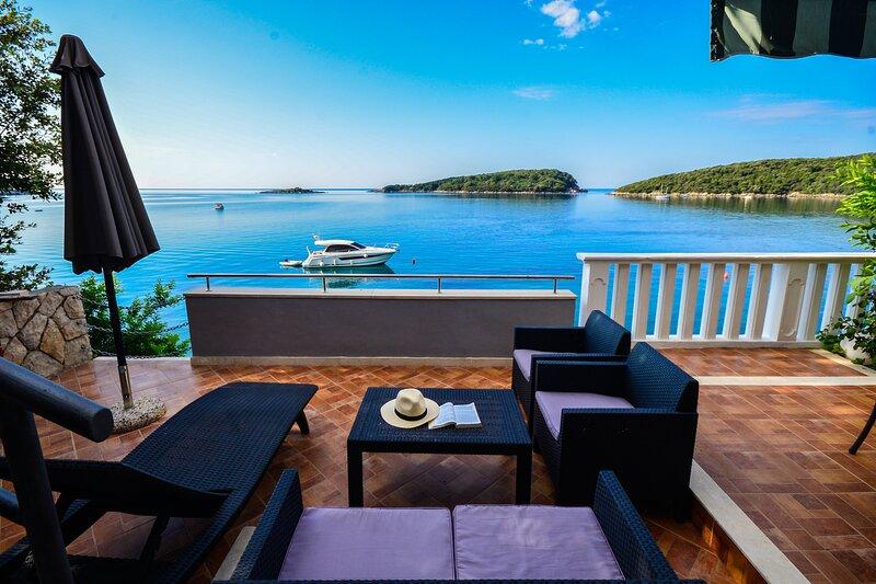 Villas Becir - beach villa near Dubrovnik, alquiler de vacaciones en Molunat