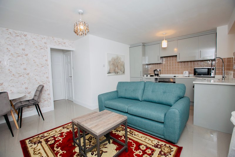 Luxury 1 bed apartment, holiday rental in Ickenham