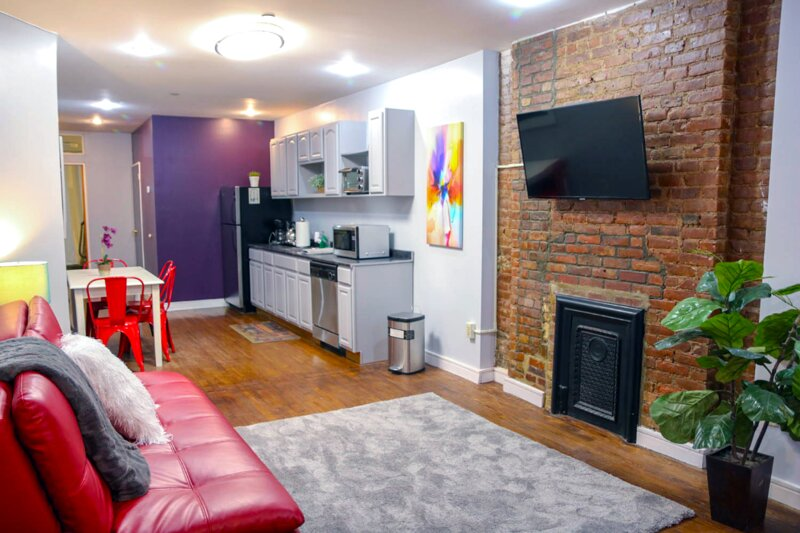 GORGEOUS 1 BEDROOM FLAT IN MANHATTAN, vakantiewoning in New York