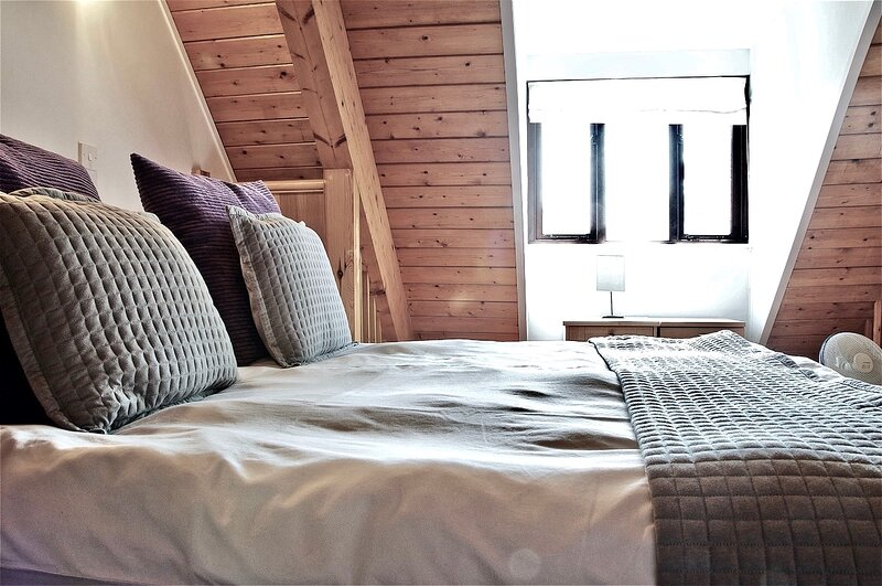 Northlands Farm & Lakes - Superior Chalet Suite 3, vacation rental in Fishbourne