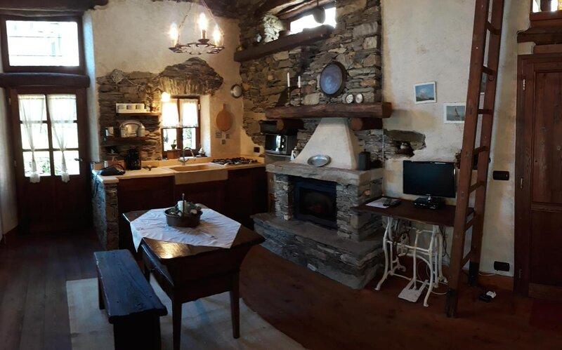 Romantica casa Cristina, holiday rental in Aurano