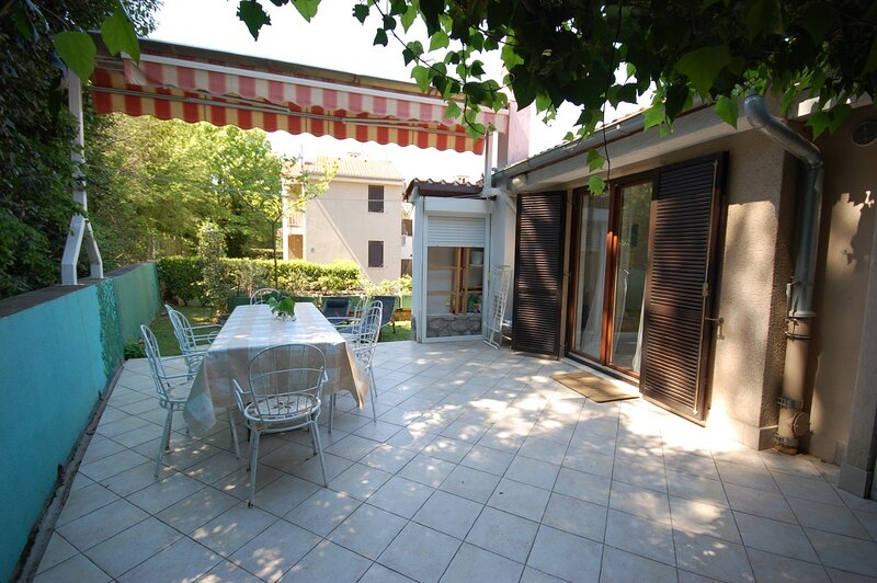 Holiday home 189498 - Holiday apartment 224913, holiday rental in Milcetici