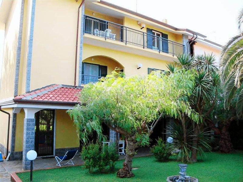 appartamento in villa, vacation rental in Le Cannella