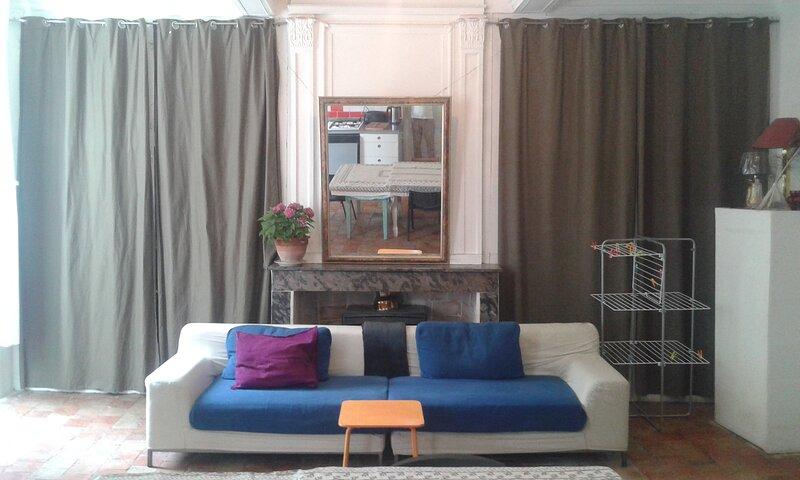 High ceilings, Large Rooms, Open plan Living,, location de vacances à La Cadière-et-Cambo