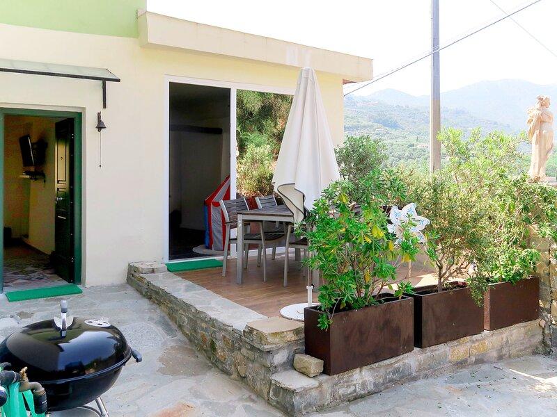 Casa Bisou (DIA101), vacation rental in Diano Borello