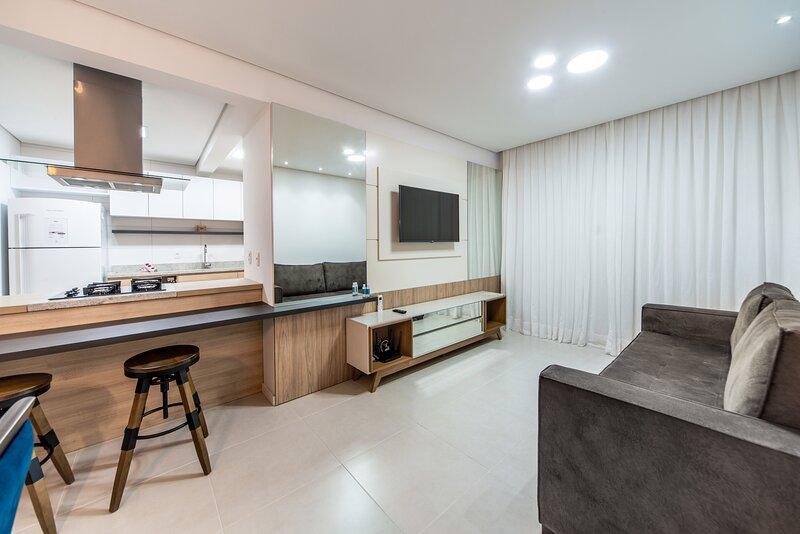 ESPETACULAR - apto para 6 pessoas no centro de Gramado, vacation rental in Nova Petropolis