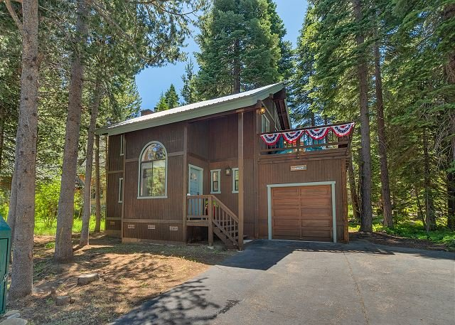 Mid-Week Specials!, vacation rental in Tahoma