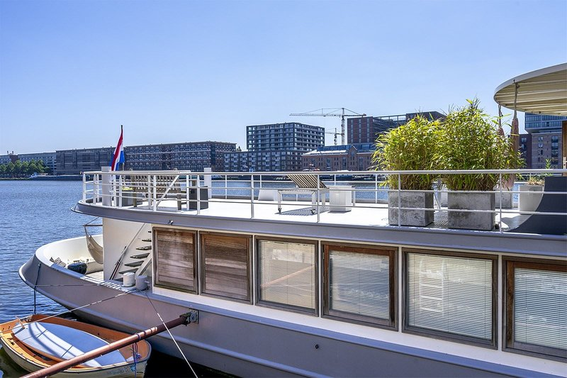 Stunning boat with a view - luxurious with sauna, holiday rental in Zunderdorp