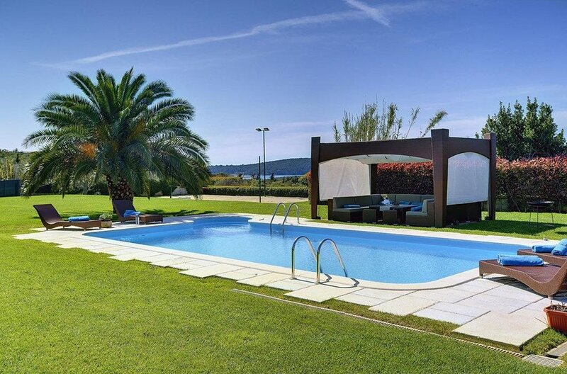 Sunny Flower - Villa with Private Pool, Sea View and Wine Cellar, holiday rental in Pomer