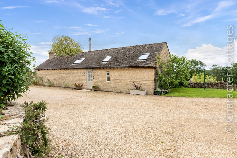 Daisy Bank is a beautifully converted barn nestled peacefully in Maugersbury, alquiler vacacional en Maugersbury