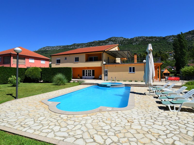 Kikiza (MKA520), vacation rental in Vrgorac
