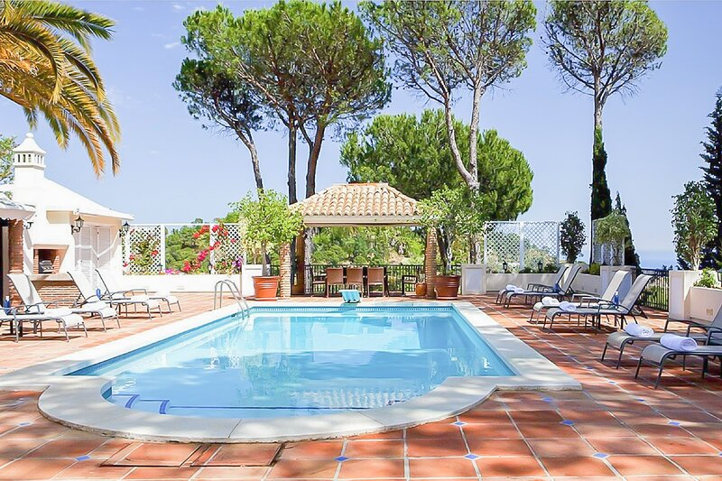 Villa Mediterranean, vacation rental in Istan