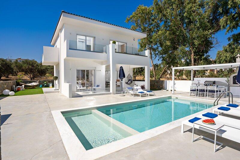 Constantinos Villa, Sublime Island Εscape!, holiday rental in Panormos