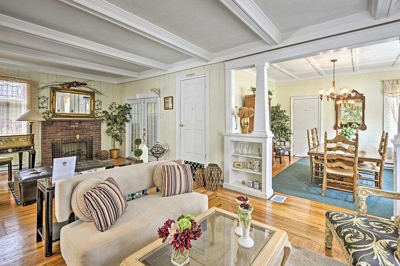 NEW! Historic Family Lodge in Watkins Glen Village, holiday rental in Montour Falls