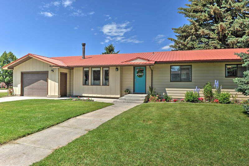 NEW! Quiet Sugar City Home < 80 Mi to Yellowstone!, alquiler de vacaciones en Rexburg