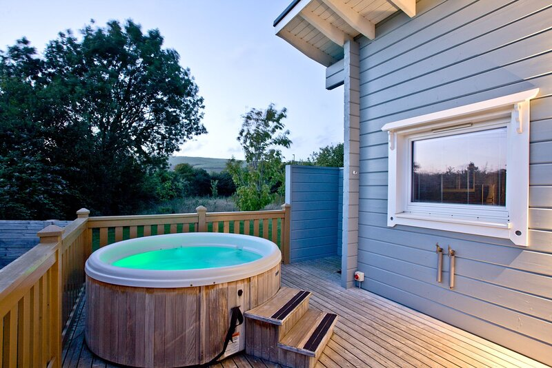 Swanpool, Great Field Lodges - Contemporary, pet-friendly lodge for couples in B, casa vacanza a Saunton