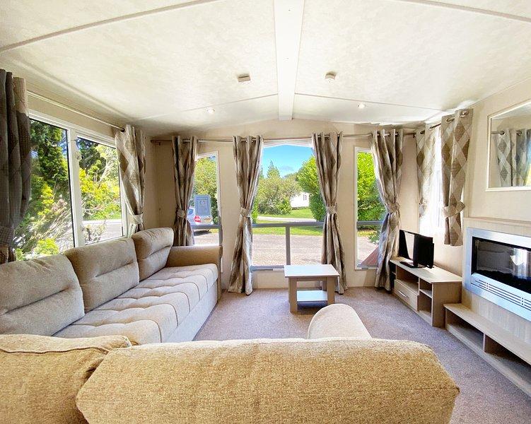 32 Torino - 8 berth caravan, holiday rental in Roche