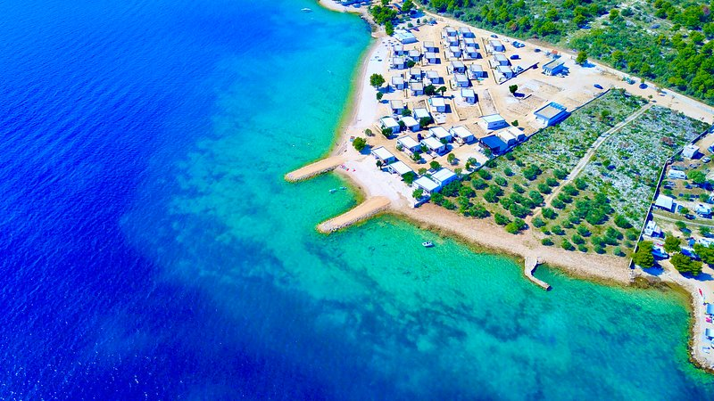 BUQEZ ECO RESORT - Beach Villa - 1st sea line, holiday rental in Drage