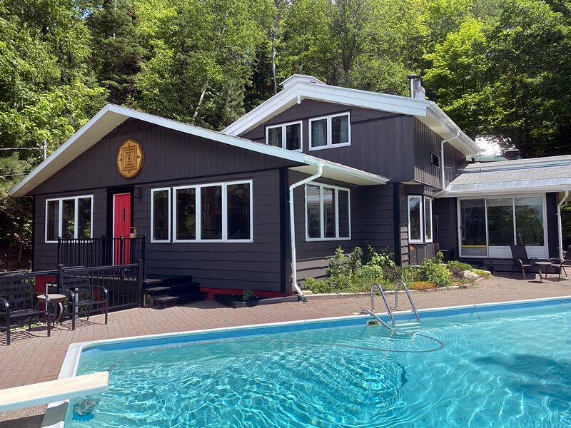 Chimo Cottage, holiday rental in Morin Heights