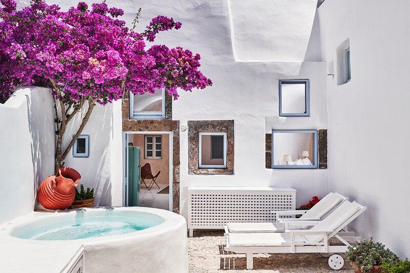 2 bedroom charming villa with hot tub, authentic character ,romantic atmosphere, location de vacances à Megalochori
