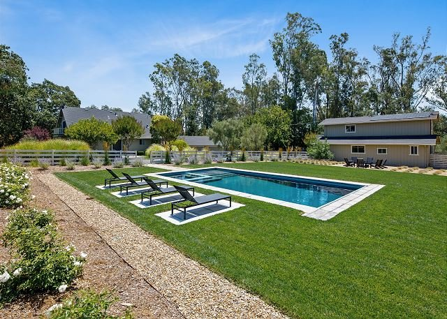 Gorgeous Wine Country Estate with Pool, Hot Tub & Barn, location de vacances à Vineburg