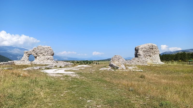 Peltuinum. Sito archeologico romano.