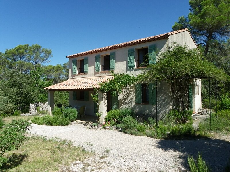 Maison en Provence 4/5 places, holiday rental in Tavernes