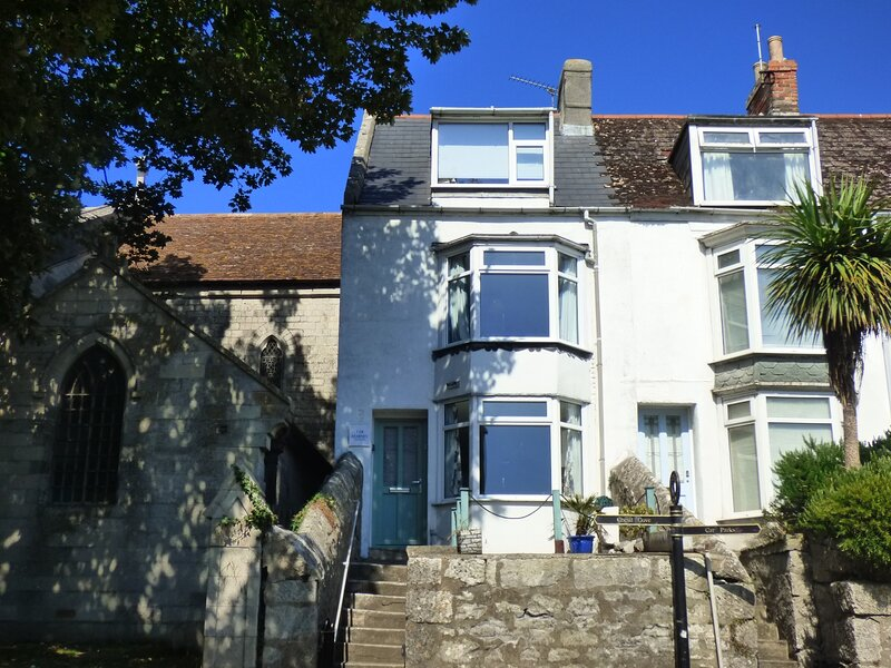 Kearney Cottage - lovely cottage by the sea, vacation rental in Isle of Portland