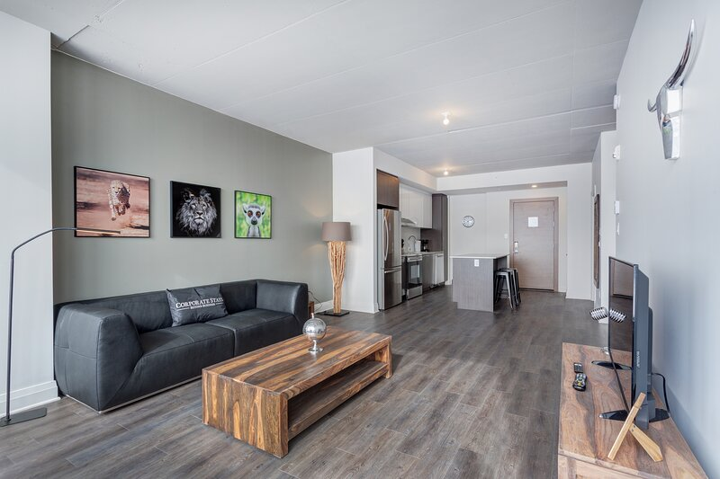 Corporate Stays | L'Equinoxe | Spacious 1BR, holiday rental in Blainville