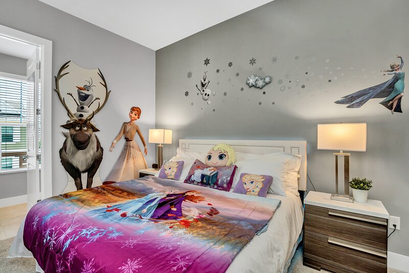 Amazing Dream Vacation Home only 5 Min. from Disney and 10 Min. from Universal, holiday rental in Orlando