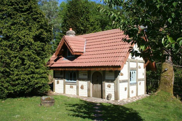 Snow White's House, location de vacances à Clydach