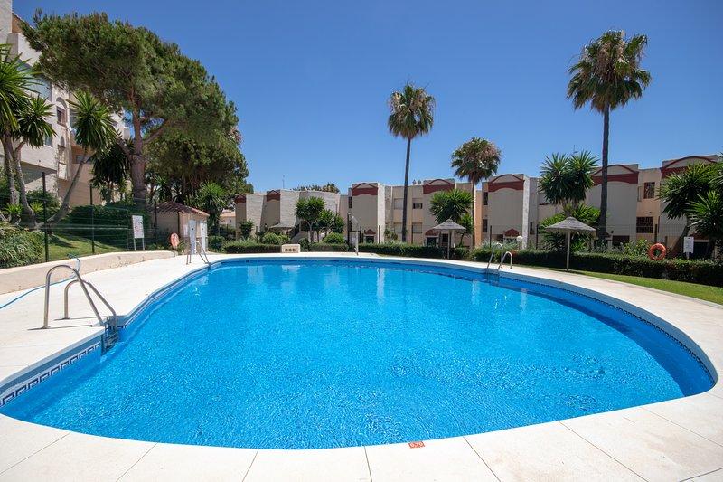 1461 - 2 bed apartment, Club Caronte, Riviera del Sol, Calahonda, holiday rental in Sitio de Calahonda