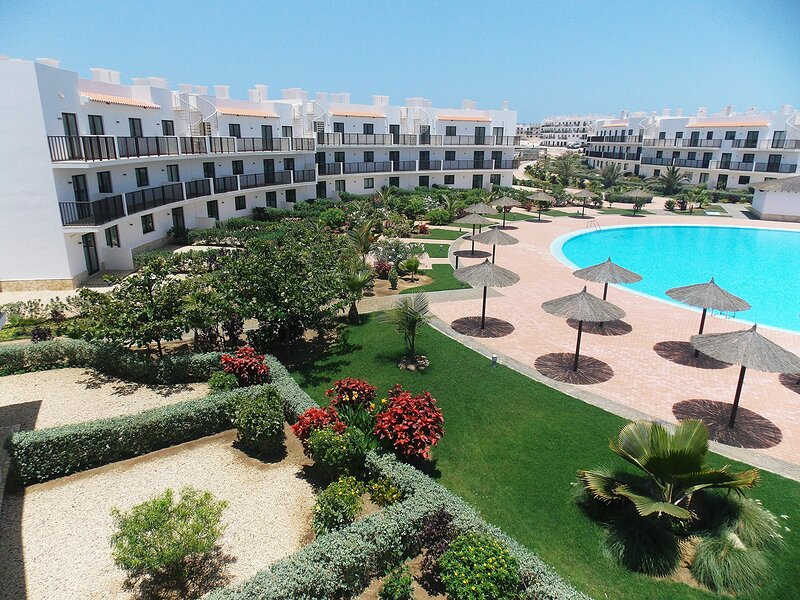 Cape Verde Holidays Premier 2 Bed Penthouse on Dunas Beach Resort & Spa, alquiler vacacional en Murdeira
