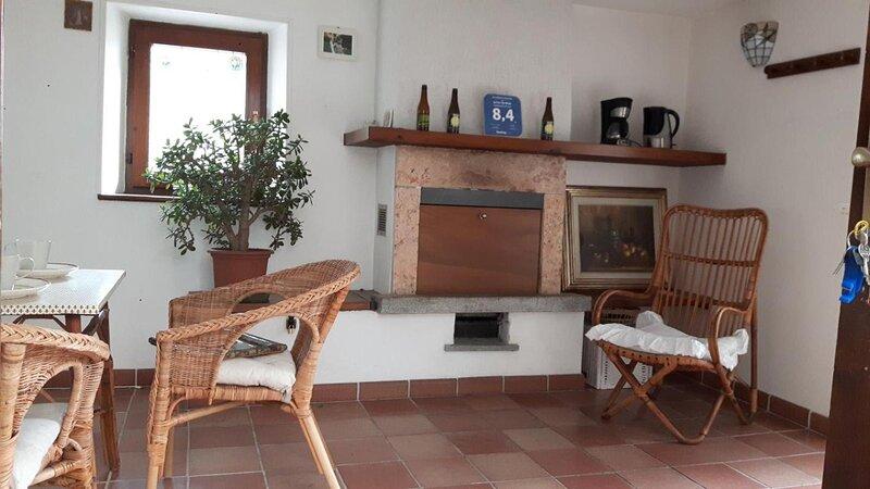 La Turr De Mezz Lca Nesso, holiday rental in Veleso