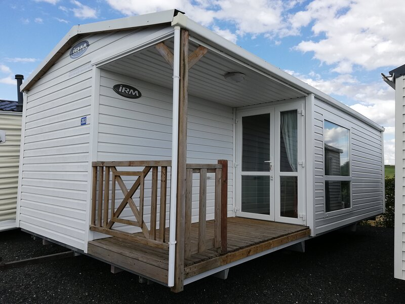 LOCATION DE MOBIL HOME TOUT CONFORT 2 CHAMBRES, holiday rental in Meaulte