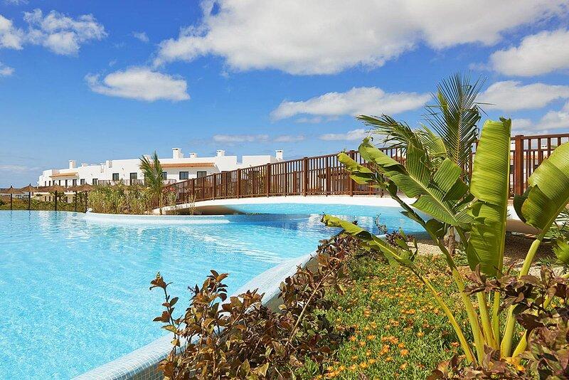 Cape Verde Holidays Private Executive Suite 2 Bed 2 Bath on Dunas Beach Resort, location de vacances à Espargos
