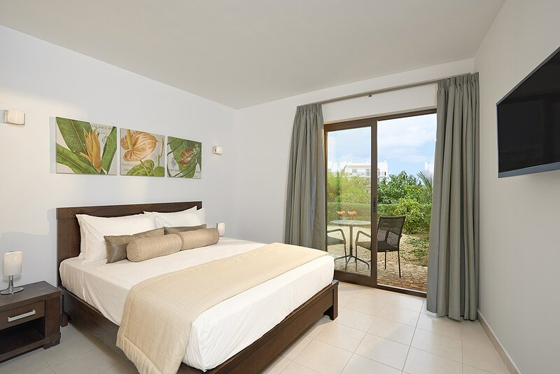 Cape Verde Holidays Private Executive Suite 2 Bedroom on Dunas Beach Resort, alquiler vacacional en Murdeira