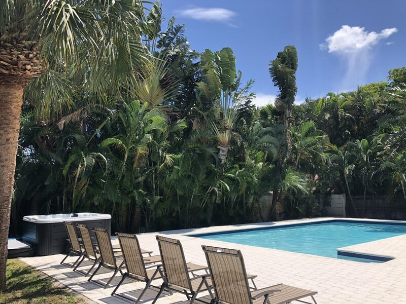 Casa Ria Luxury House & Private Pool, holiday rental in North Miami Beach