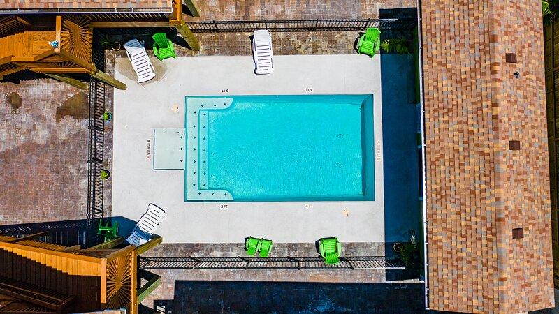 Water,Pool,Swimming Pool,Building,Hotel