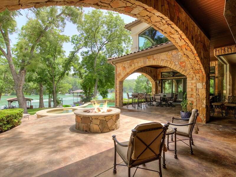 THE ABOVE CASA TRANQUILITY ON LAKE AUSTIN, holiday rental in Bee Cave