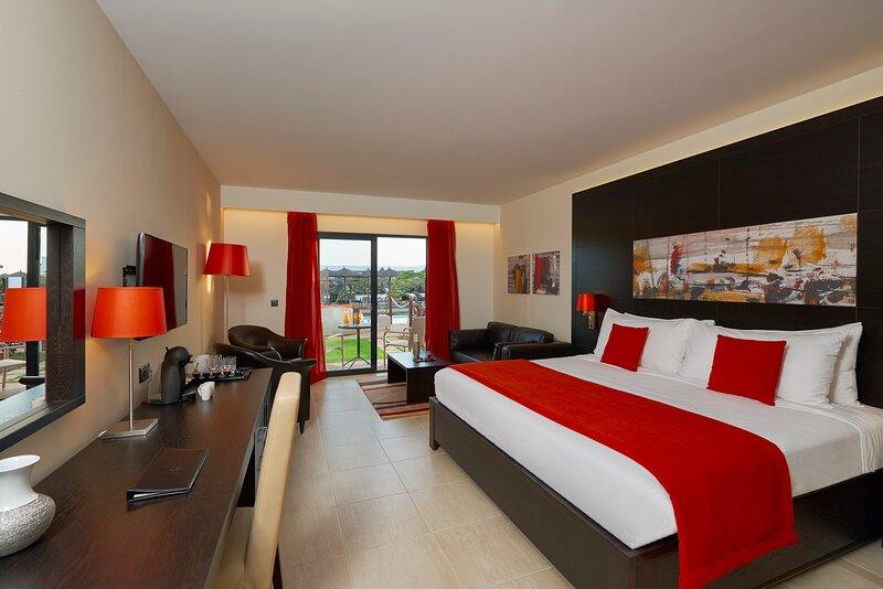 Cape Verde Holidays Swim up Superior Room on Llana Beach Resort & Spa, location de vacances à Espargos