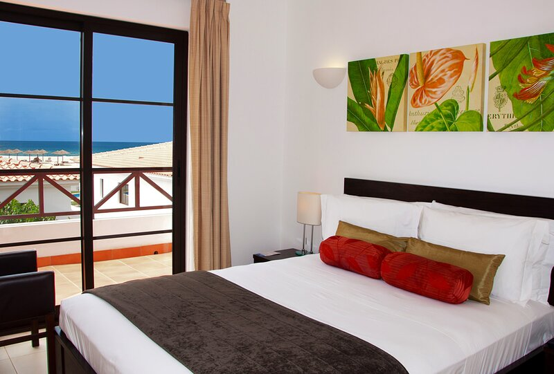 Cape Verde Holidays Private Executive Suite 2 Bedrooms on Tortuga Beach Resort, alquiler vacacional en Murdeira