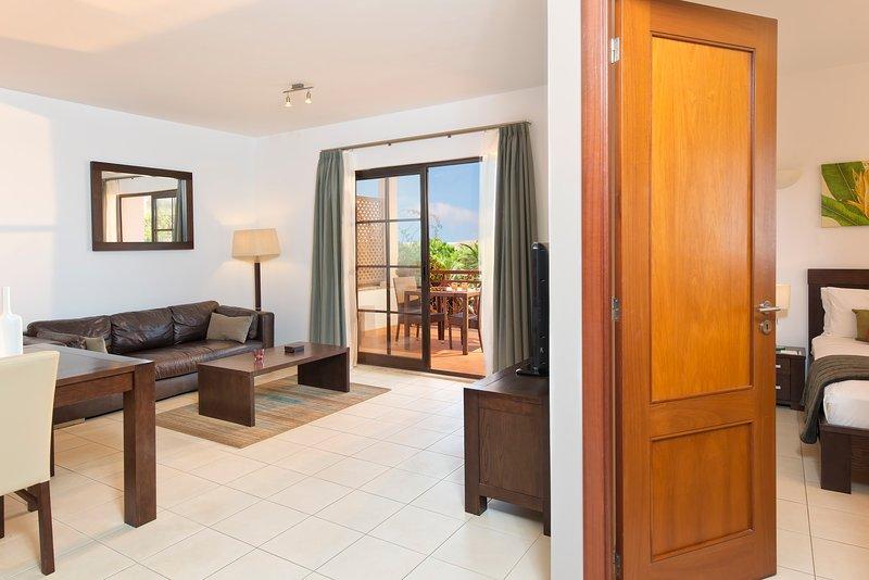 Cape Verde Holidays Private Deluxe Suite on Tortuga Beach Resort & Spa, location de vacances à Espargos