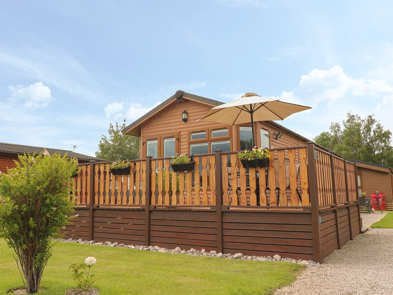 Doormouse Lodge, South Lakeland Leisure Village, casa vacanza a Warton
