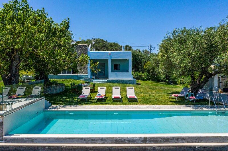 Villa Alcyoni, alquiler de vacaciones en Chlomos